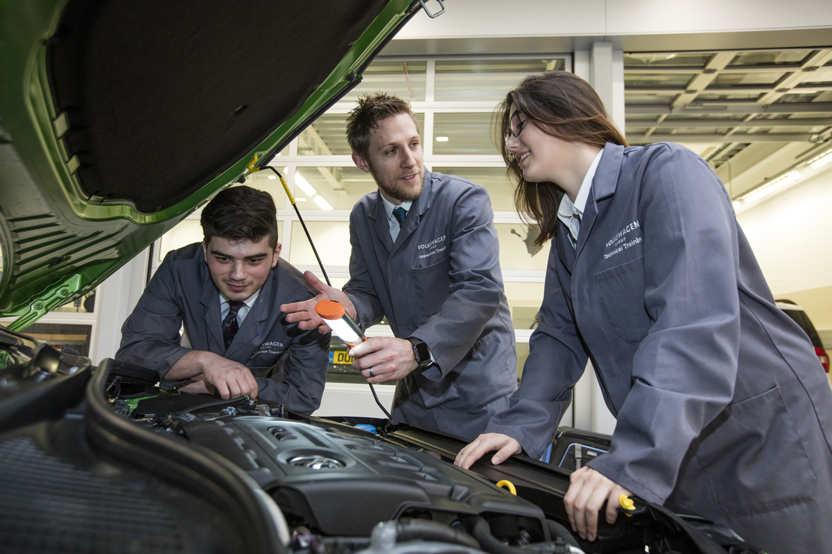 SKODA apprentices working on car